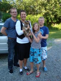 Taro med sin nye famile