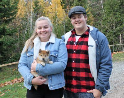 Cato med sine nye eiere, Michelle og Didrik