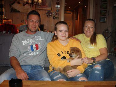 Cody med sin nye flokk, Richard, Natalie og Iren